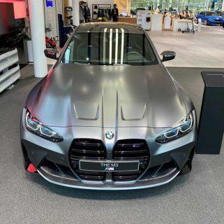 INDIVIDUALフローズンダークグレーの新型BMW M3(G80)のリアル写真が超クール!