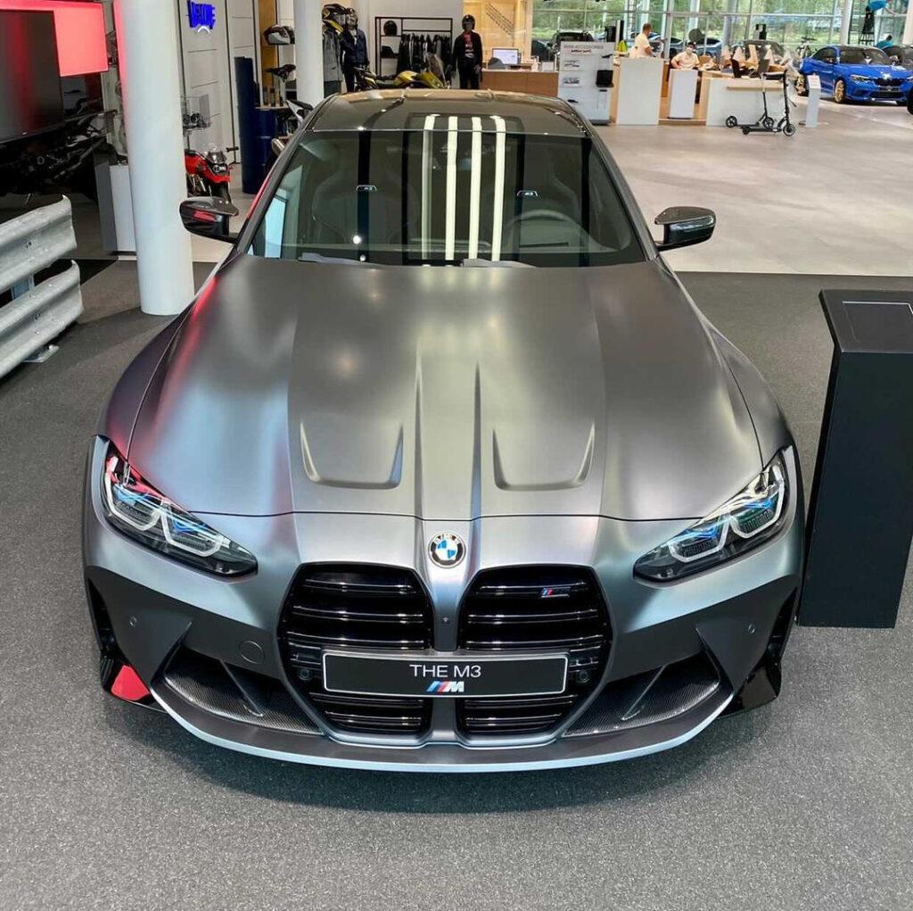 新成人の欲しい車2位に「BMW」!ただ1位がモデル末期の「トヨタ・アクア」って・・・