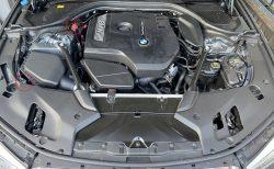 BMW車のバッテリー充電はバッテリー直か、ボンネット下のエンジンルームからのどちらが良いのか悩ましい(^_^;)