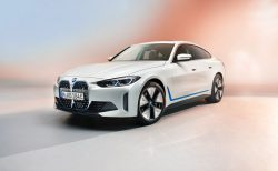 BMW新型4ドアグランクーペEV「i4」がワールドプレミア!
