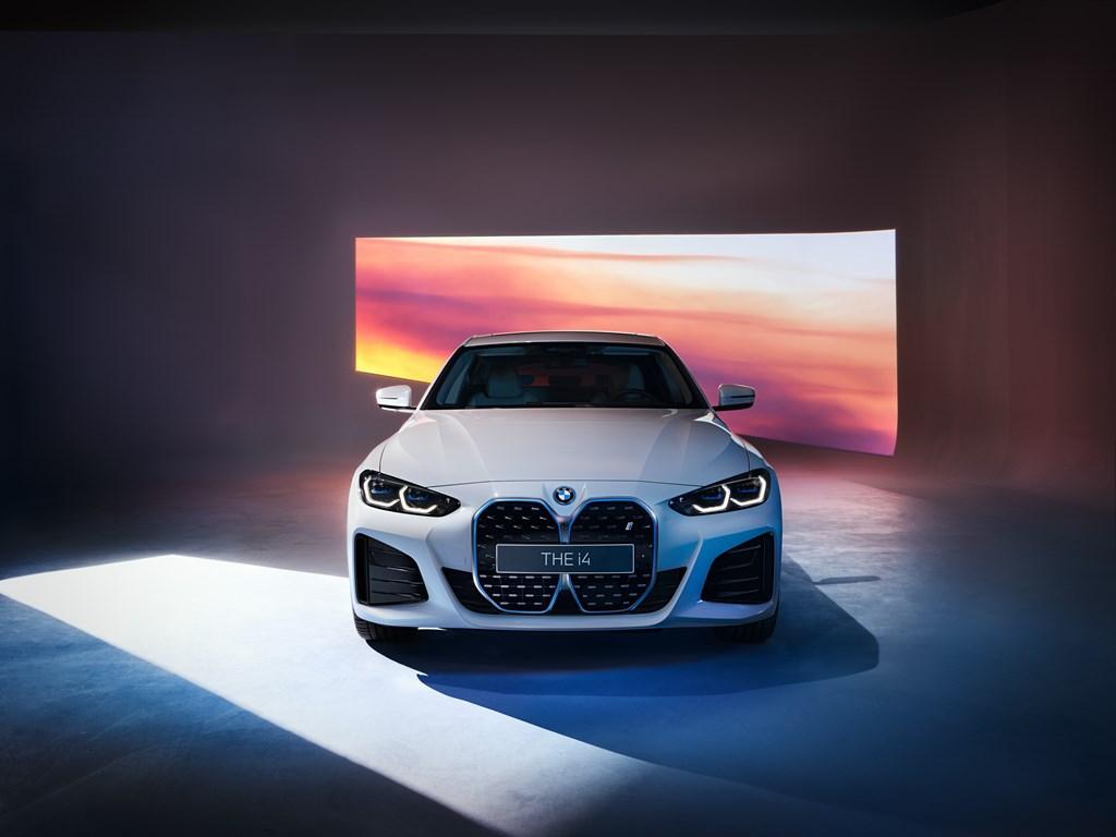 カッコいい!BMW電動グラン クーペ「i4」のMスポーツモデルを初公開!【上海モーターショー2021】新型4シリーズグランクーペもほぼこんな感じになりそうかな(^^)
