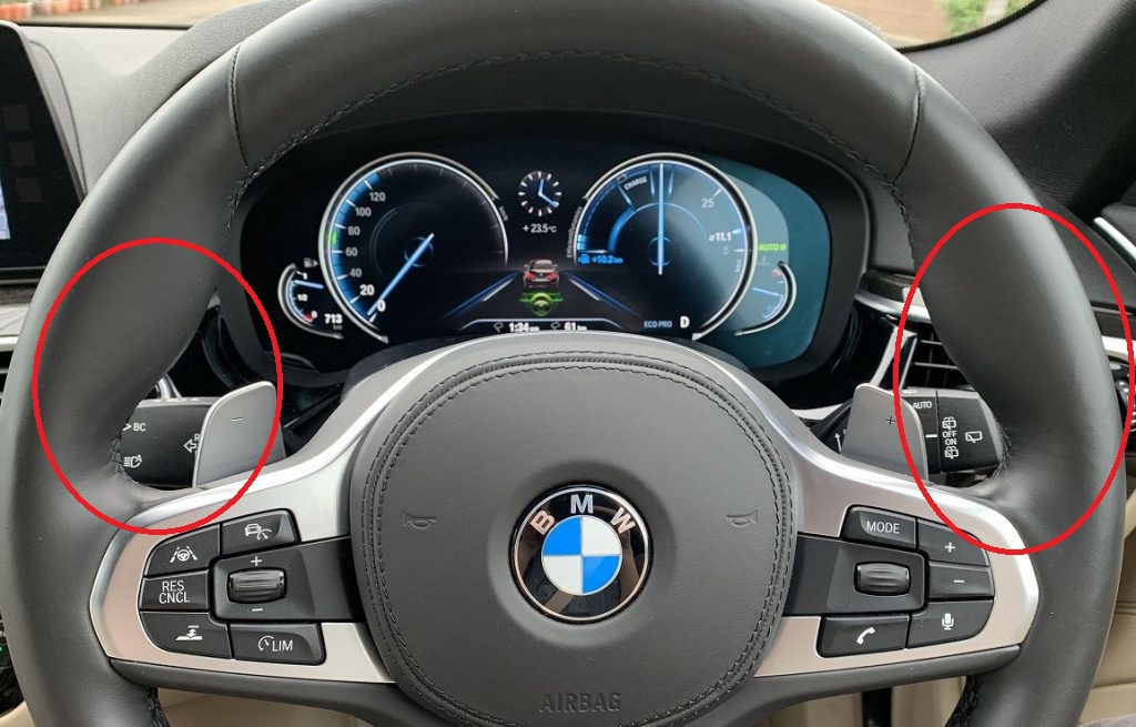 BMW/MINIの純正ステアリングのこの部分に名称があるそうです。皆さん知ってましたか?
