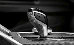 BMW1,2,3,4,8,Xシリーズ用純正M Performanceギアセレクターレバーが予約販売中!価格は?カーボンorアルカンタラの2択が悩ましい(^_^;)